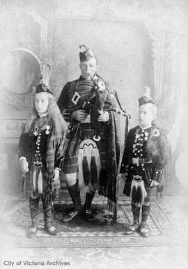 Amy MacKenzie, Sgt Major Tennant and Jim MacKenzie