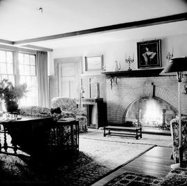 "G.H. Barnard family home at 1462 Rockland Avenue known as ""Duvals"", living room"