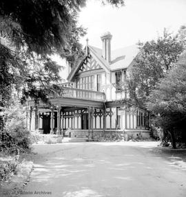 "Frank Barnard family home at 701 Sea Terrace known as ""Clovelly"""