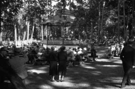 Military concert at the bandstand, Beacon Hill Park