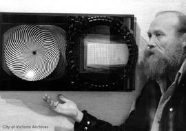 "Greater Victoria Art Gallery : Jack Kidder and ""op"" art"