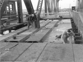 Johnson Street bridge, repairing bridge deck