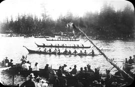 Klootchan Squaw's canoe race, the Gorge